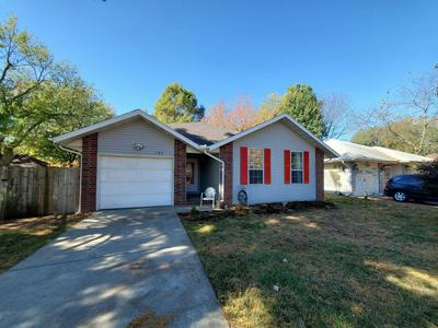 1523 N LONE PINE AVE, Springfield, MO 65803 - Photo 2