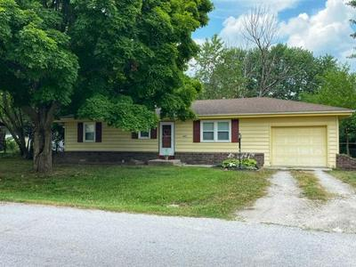 445 N RUSSELL AVE, Bolivar, MO 65613 - Photo 1