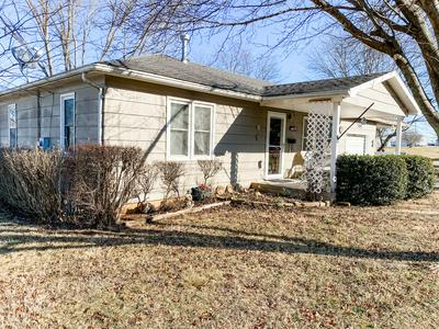 701 E LOCUST ST, Stockton, MO 65785 - Photo 2