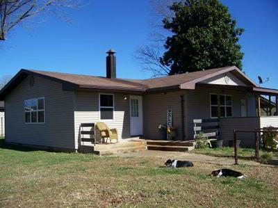 671 STATE ROUTE 142, Caulfield, MO 65626 - Photo 1