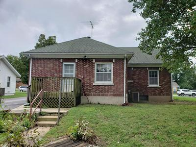 751 W JACKSON ST, Marshfield, MO 65706 - Photo 2