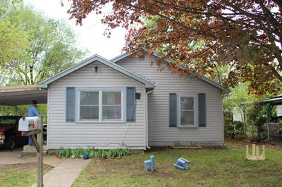 8 W HIGH ST, AURORA, MO 65605 - Photo 1