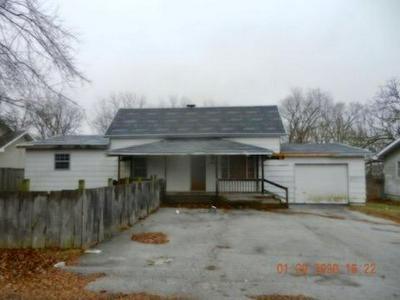 345 THOMPSON ST, FORDLAND, MO 65652 - Photo 1