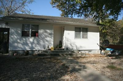 103 BEEMAN ST, PINEVILLE, MO 64856 - Photo 1