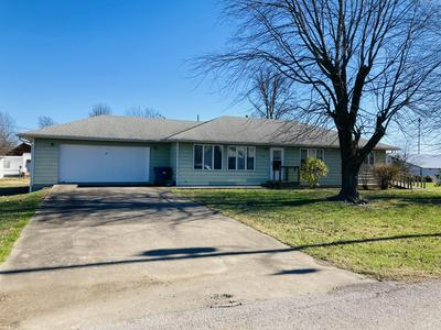 510 S CHESTNUT ST, Stockton, MO 65785 - Photo 1