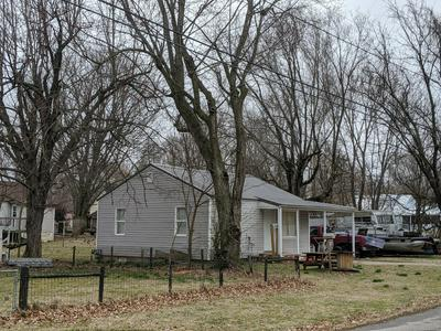221 W SOUTH ST, AURORA, MO 65605 - Photo 1