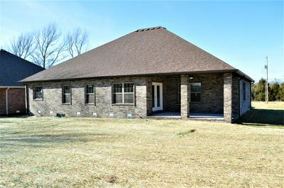 5718 S WOODCLIFFE DR, Springfield, MO 65804 - Photo 2