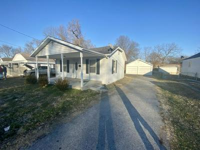 1432 N WEST AVE, SPRINGFIELD, MO 65802 - Photo 1