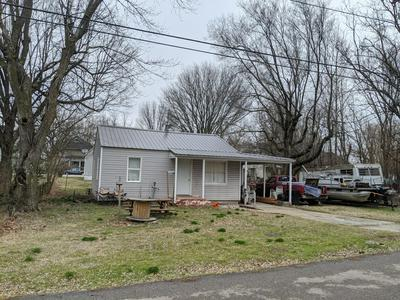 221 W SOUTH ST, AURORA, MO 65605 - Photo 2