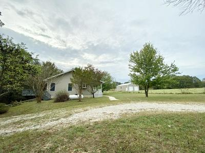 9453 STATE ROUTE F, KOSHKONONG, MO 65692 - Photo 2
