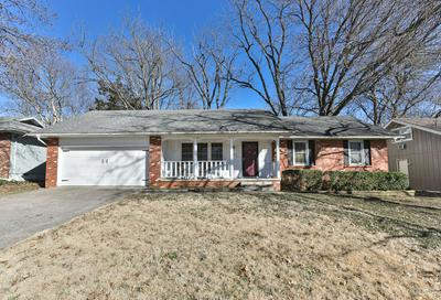 2140 S WELLINGTON AVE, SPRINGFIELD, MO 65807 - Photo 2