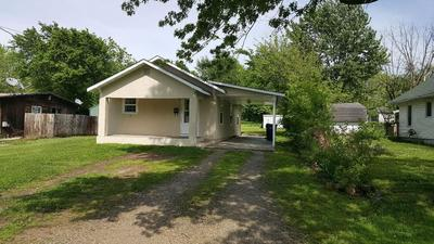 216 N OLIVE ST, Marshfield, MO 65706 - Photo 1