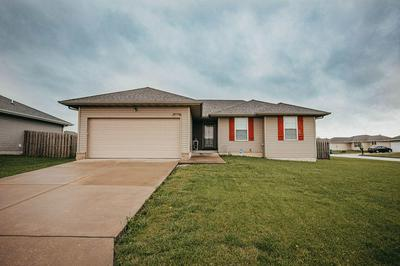 106 CHERRY AVE, Clever, MO 65631 - Photo 2