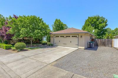 1929 CANYON AVE, Medford, OR 97504 - Photo 2