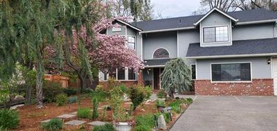 113 WALNUT DR, Rogue River, OR 97537 - Photo 2