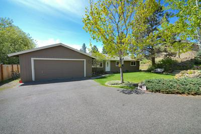20845 GREENMONT DR, Bend, OR 97702 - Photo 2