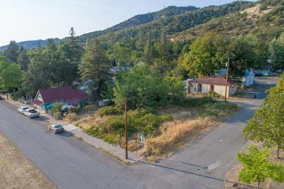 505 4TH AVE, Gold Hill, OR 97525 - Photo 2
