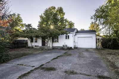 2705 ELLIOTT AVE, Medford, OR 97501 - Photo 2