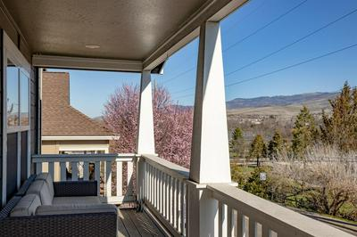 351 N MOUNTAIN AVE, ASHLAND, OR 97520 - Photo 2