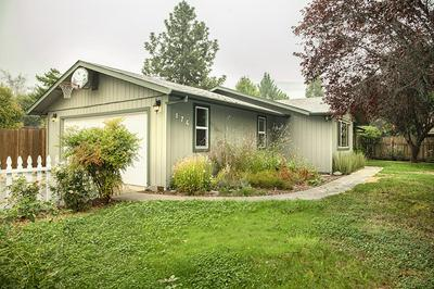 176 NW BLOSSOM DR, Grants Pass, OR 97526 - Photo 1