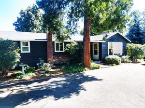 4727 S PACIFIC HWY, PHOENIX, OR 97535 - Photo 2