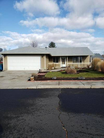 1121 NE MAHOGANY ST, Prineville, OR 97754 - Photo 2
