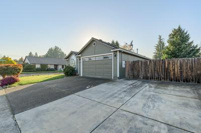 1319 GREENTREE WAY, Central Point, OR 97502 - Photo 2