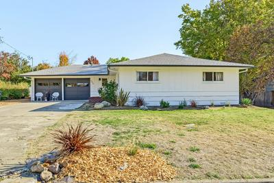 333 SUTTER AVE, Medford, OR 97504 - Photo 2
