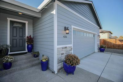 435 SIENNA HILLS DR, Eagle Point, OR 97524 - Photo 2