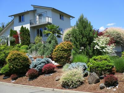 1033 NW STARLITE PL, Grants Pass, OR 97526 - Photo 2