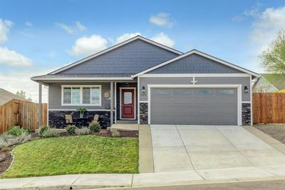 929 STONEWATER DR, EAGLE POINT, OR 97524 - Photo 1