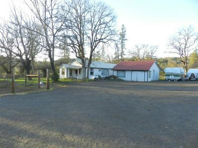 9055 BUTTE FALLS HWY, EAGLE POINT, OR 97524 - Photo 1