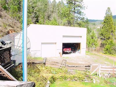 243 TAYLOR RD, Trail, OR 97541 - Photo 2
