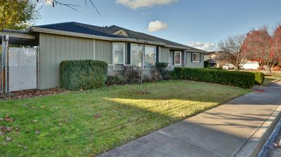1275 CIRCLE WOOD DR, Central Point, OR 97502 - Photo 2
