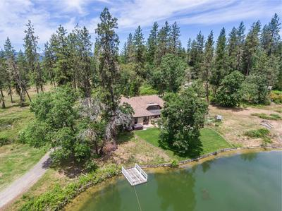 903 NICKLAUS POINT LN, Grants Pass, OR 97526 - Photo 2