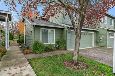 313 LIVE OAK LOOP, Central Point, OR 97502 - Photo 2
