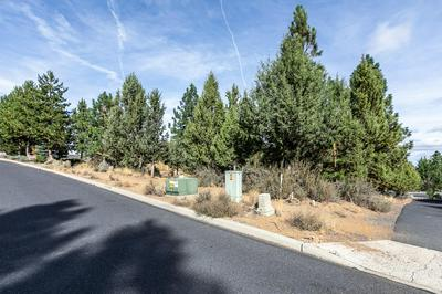 1274 NW CONSTELLATION DR, Bend, OR 97703 - Photo 2