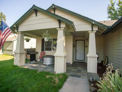 859 NW OAK LN, Redmond, OR 97756 - Photo 2