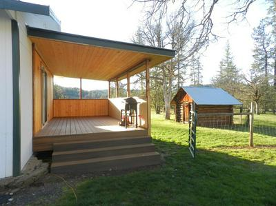 9055 BUTTE FALLS HWY, EAGLE POINT, OR 97524 - Photo 2