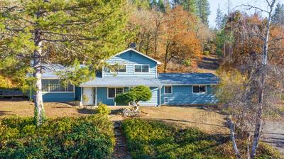 1962 APPLEGATE AVE, Grants Pass, OR 97527 - Photo 1