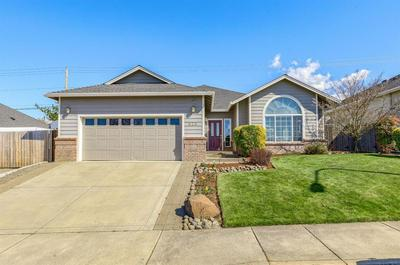 626 THOMASVILLE DR, MEDFORD, OR 97504 - Photo 1