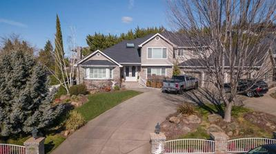 3951 SOUTHVIEW TER, MEDFORD, OR 97504 - Photo 2