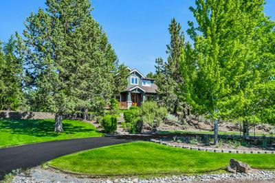 20920 ROYAL OAK CIR, Bend, OR 97701 - Photo 1