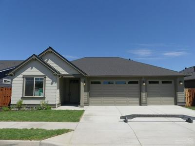 1029 NE HUDSPETH CIR, PRINEVILLE, OR 97754 - Photo 2