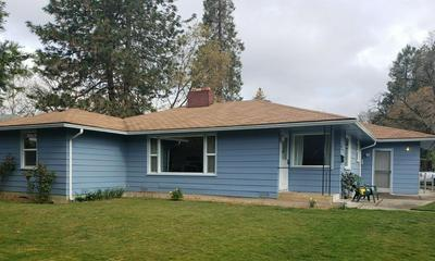 802 NE 10TH ST, Grants Pass, OR 97526 - Photo 1
