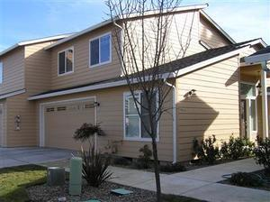 344 LIVE OAK LOOP, Central Point, OR 97502 - Photo 1