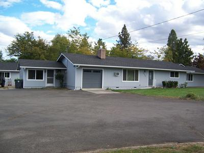 3372 FREELAND RD, Central Point, OR 97502 - Photo 2