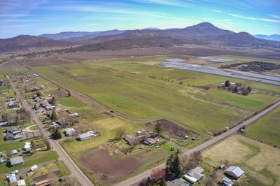 TL2700 MCLOUGHLIN DRIVE, Central Point, OR 97502 - Photo 2