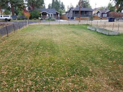 1428 NW CUMBERLAND AVE, Bend, OR 97703 - Photo 2