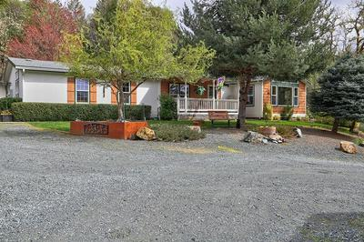 247 HULL DR, Grants Pass, OR 97526 - Photo 2
